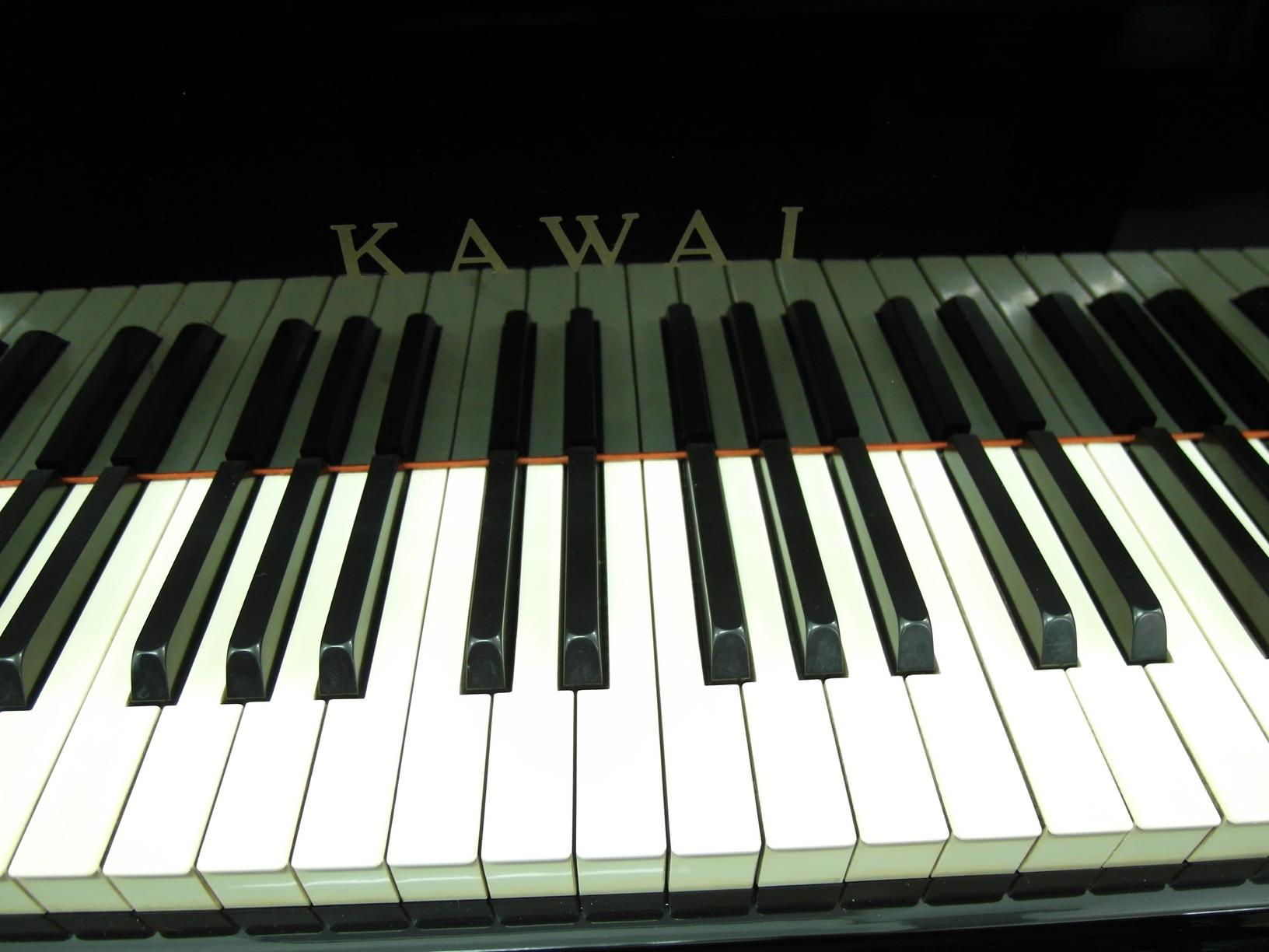 used kawai piano US-5X exterior keys