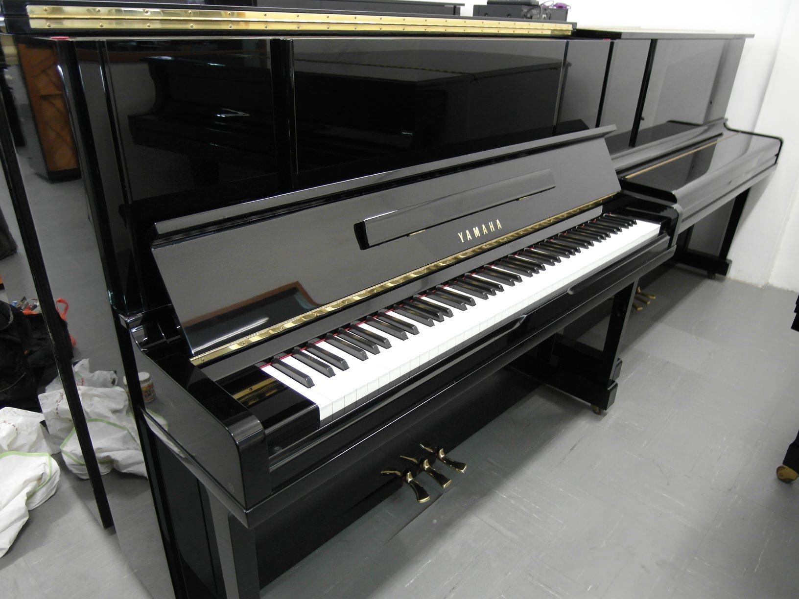 used yamaha piano ux10bl exterior