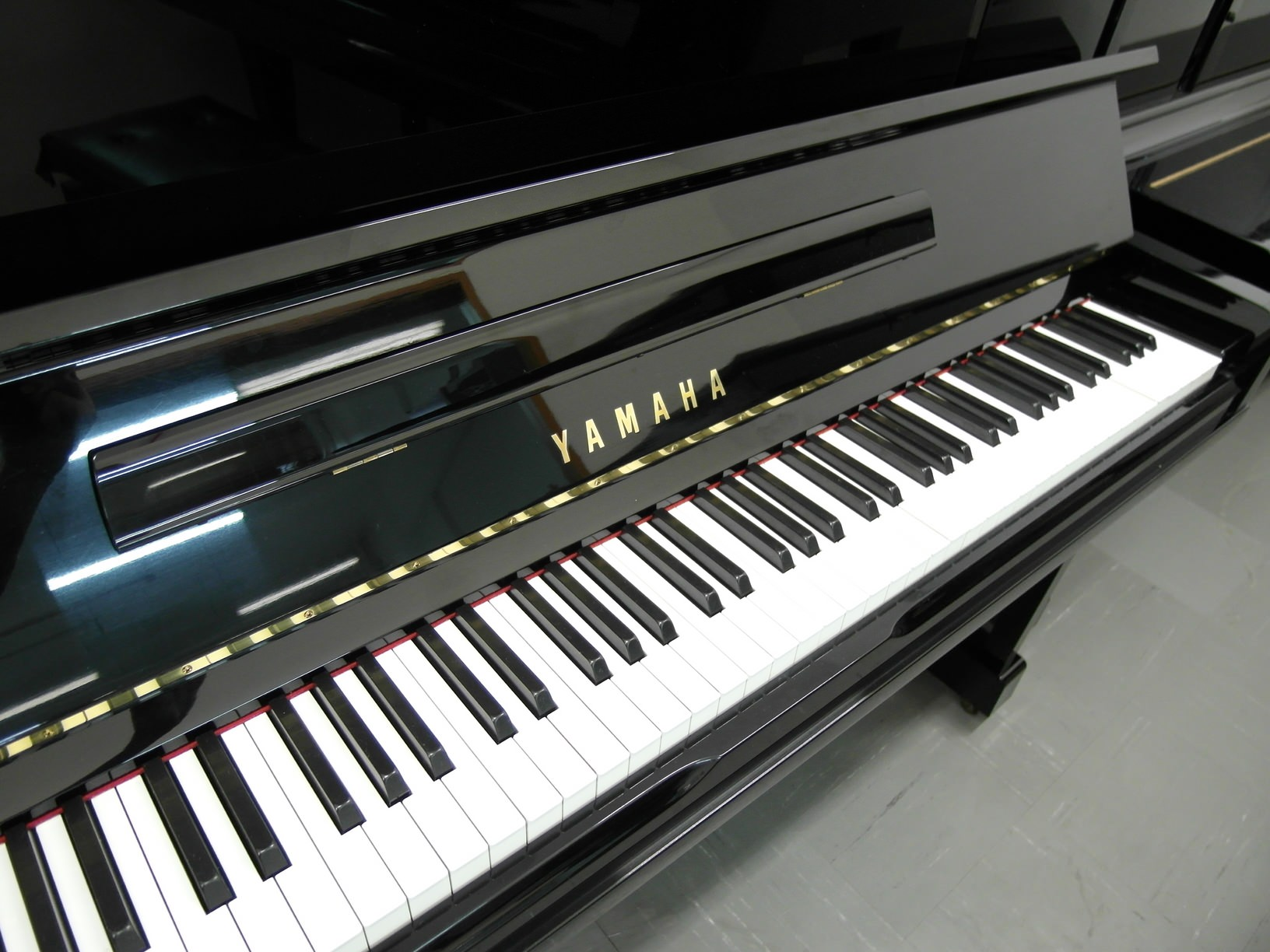 Used piano yamaha ux10bl for sale for Yamaha used piano