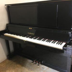 Yamaha UX-5 Upright piano